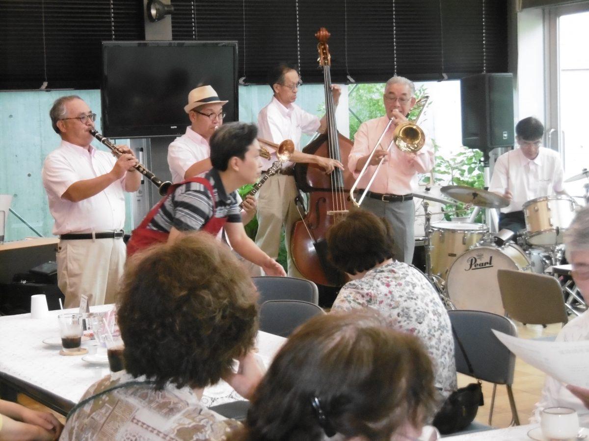 6月のはっとステーションはジャズコンサート(ニューオリンズ4T's)を開催。